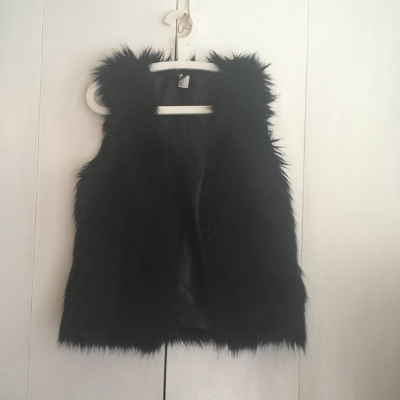 H & M black Faux Fur vest